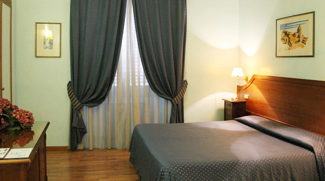 Hotel Dei Fiori Roma.Hotel Fiori Roma Official Web Site Hotel 2 Stelle Roma