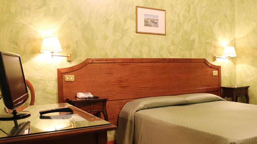 Hotel Dei Fiori Roma.Hotel Fiori Rome Official Web Site 2 Star Hotels Rome